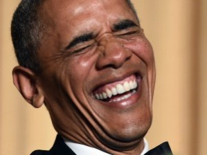 Tuxedo-Obama-laughing-AFP-640x480